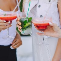 girls-with-cocktails